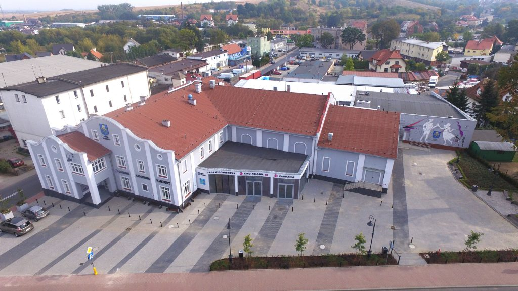 zdjęcie przedstawia budynek Gminnego Centrum Kultury w Trzebnicy